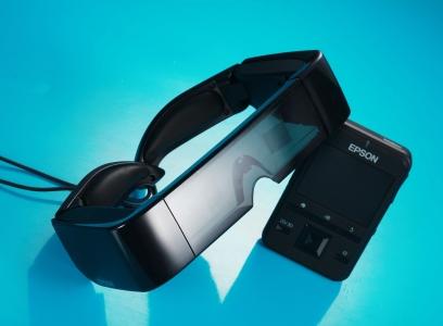 Epson BT-100 評測:世界首款 Android 頭戴顯示器、外加觸控板