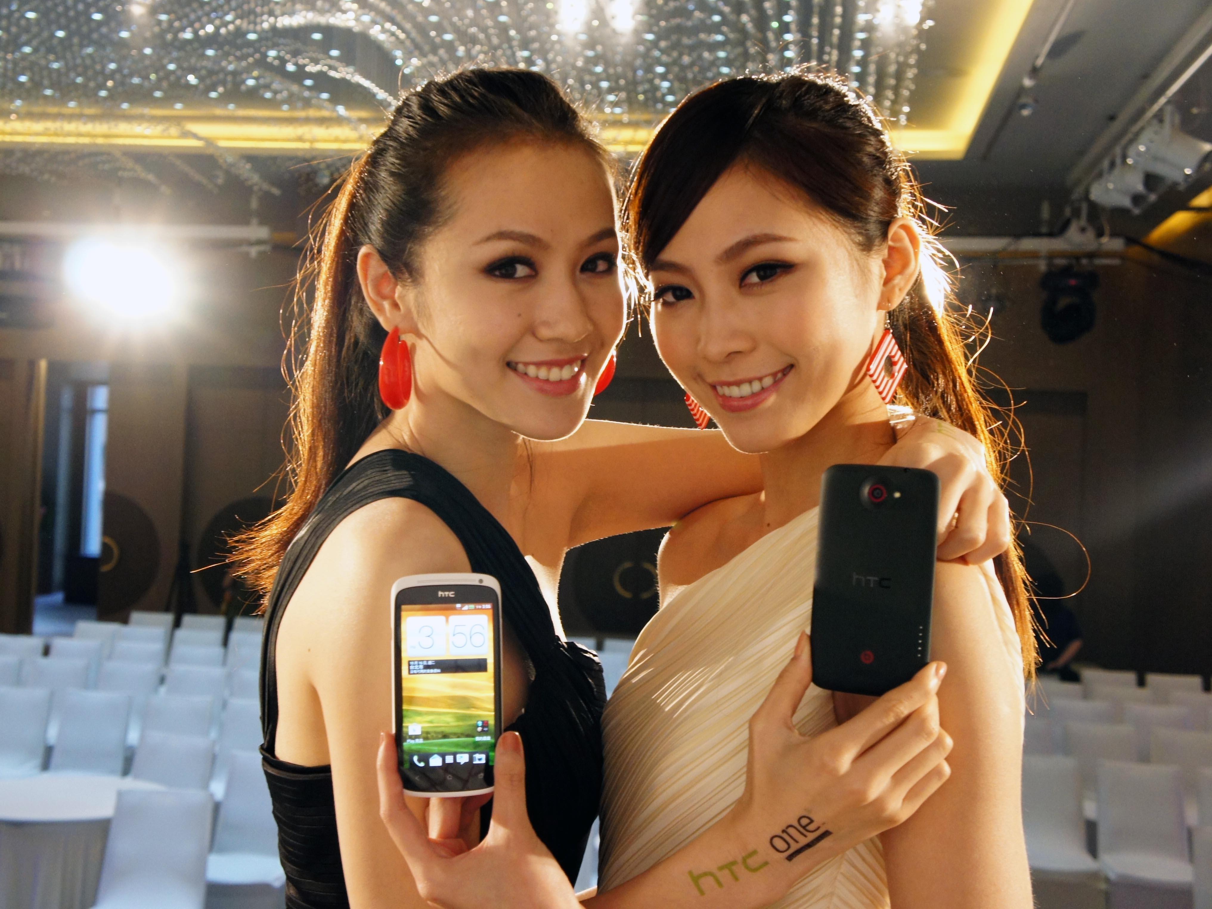 HTC One X+、One S 特別版發表,規格提升價格不變,現場動手玩