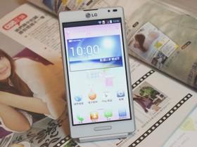 LG Optimus L9 實測:聲控拍照、任譯門、備忘錄功能動手玩!