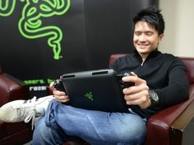 專訪 Razer CEO 陳民亮,Razer Edge 遊戲平板 + 搖桿背板動手玩