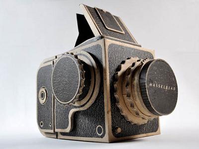 神人 DIY,用紙組裝的精緻哈蘇造型針孔相機