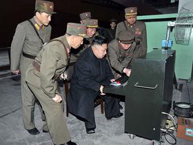 北韓領導者金正恩用 Logitech 軌跡球展開毀滅世界之旅