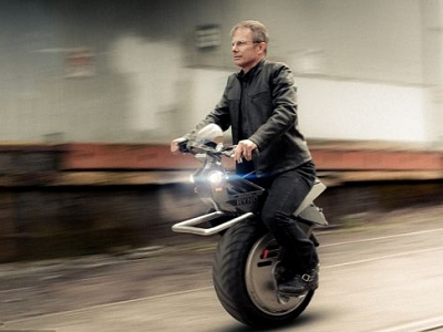 RYNO Motors 推 RYNO  電動獨輪摩托車,最快時速40公里,售價約台幣10萬