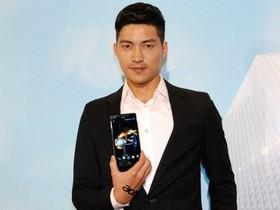 Acer 發表 5.7 吋大螢幕 Liquid S1 王建民手機,8 月起中華電信開賣