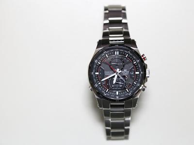 CASIO EDIFICE EQW-A1200 :大男孩的高科技手錶、還有電子指北針