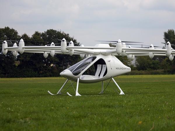 世界首架電動直升機 e-volo VC200 完成處女飛航