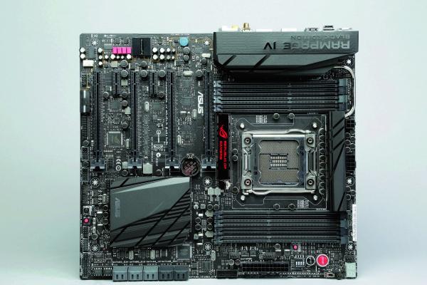 Asus RAMPAGE IV BLACK EDITION:老酒新裝,X79也有黑盒版