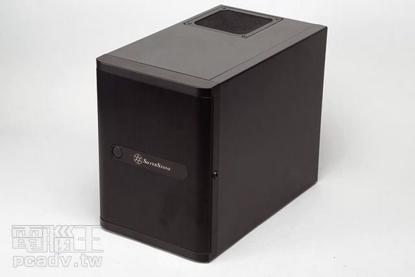 SilverStone DS380 評測:小型化簡易伺服器專用機殼