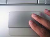 過度使用觸控板會讓手指變型