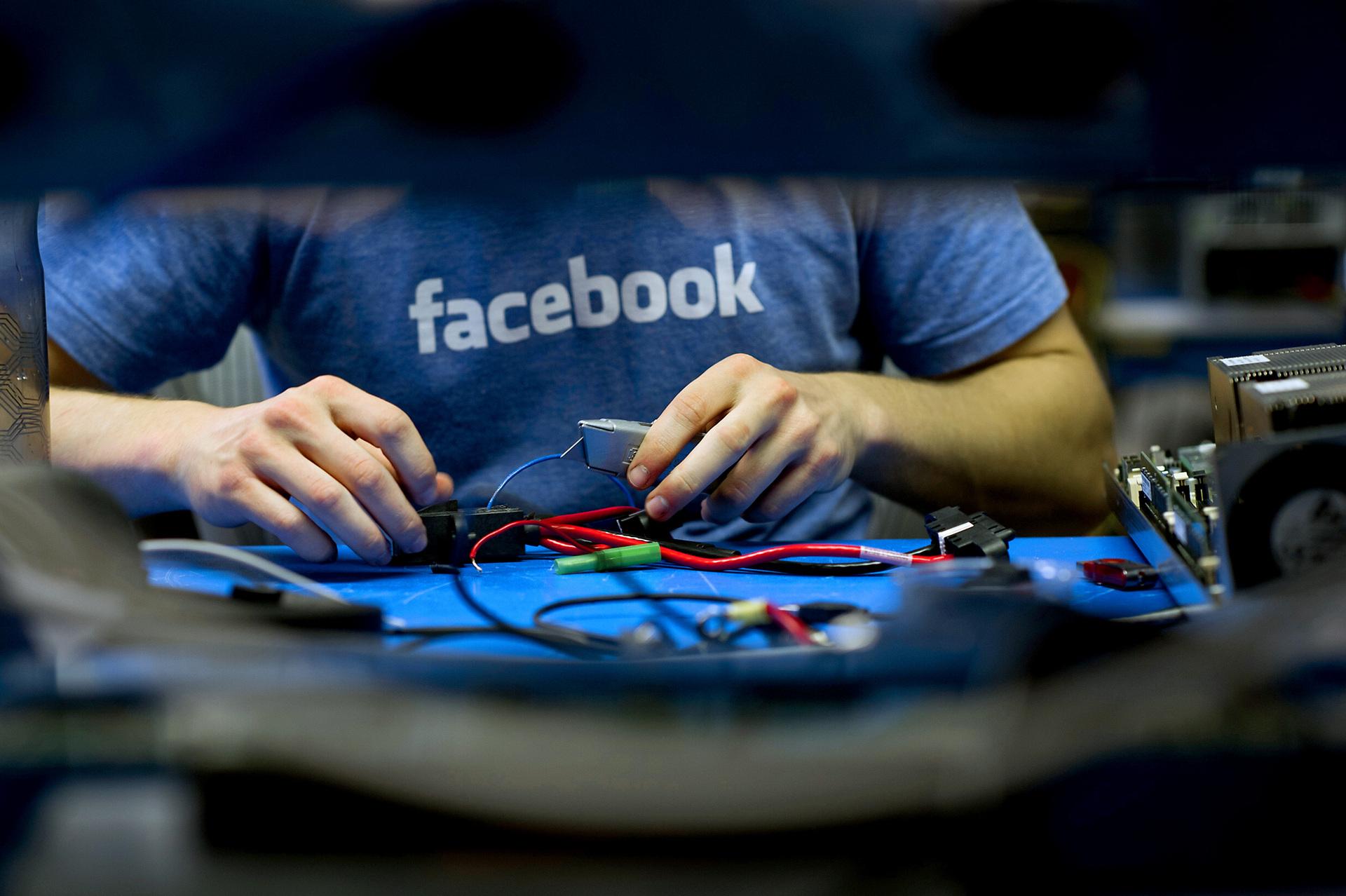 Facebook 神祕的另一面:擁有170人的硬體部門,是擴增實境公司 Oculus 選擇賣給臉書的一大原因