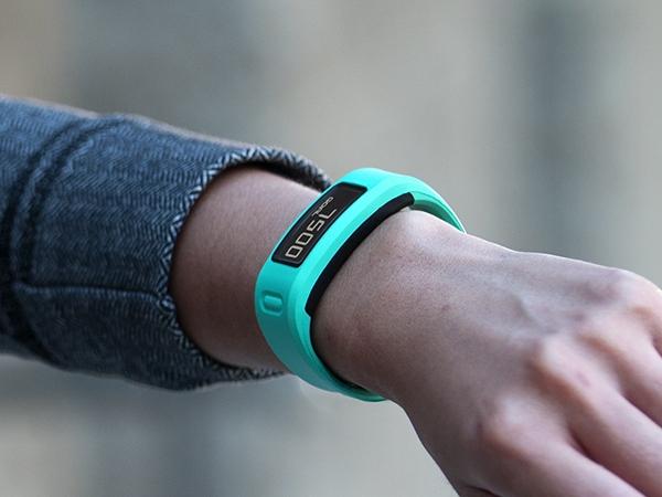 【雜誌合購優惠】快樂健身,樂趣分享!Garmin vivofit健身手環待機長達一年