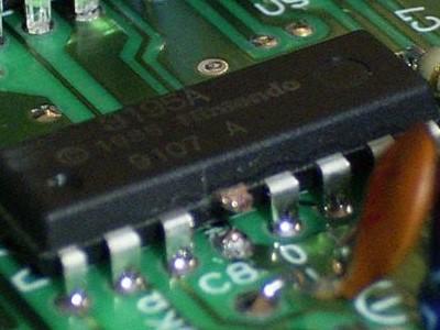 家用主機秘辛3:正版比盜版問題更多,破解萬惡10NES晶片