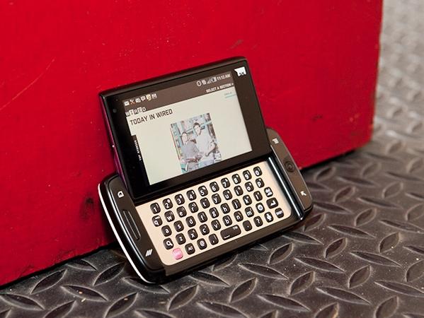 第 1 款獲得明星和年輕人喜歡的智慧型手機,當年許多創新的概念都留下來了
