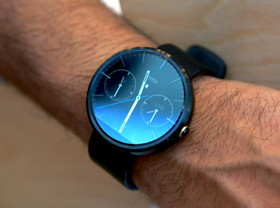 Moto 360 動手玩:可能是最漂亮的 Android Wear 智慧手錶