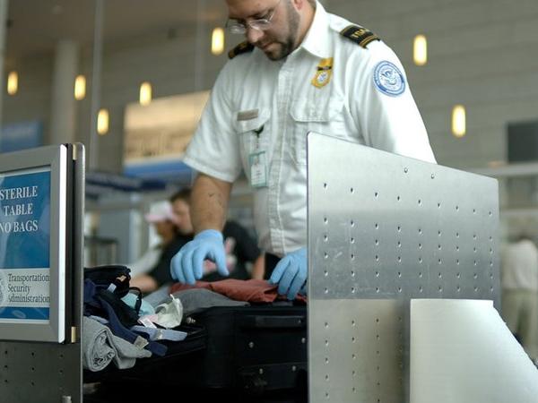 美國新安檢安排!任何無法開機的電子裝置將帶不上飛機!