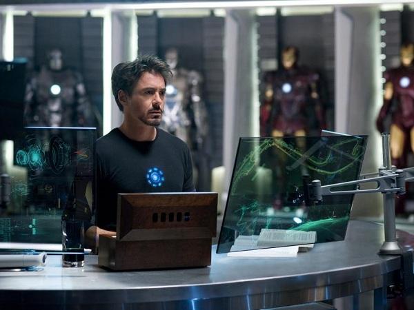 鋼鐵人的科幻世界即將實現,LG 發表可彎曲半透明 OLED 螢幕