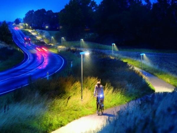 透過滑鼠就能管理全市的路燈,還可以節省50%以上的能源