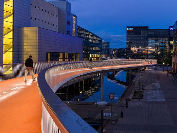 單車族的天堂 來看哥本哈根的天空單車道
