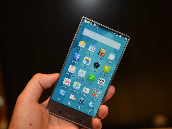 零邊框?Sharp 推全球最薄邊框手機 Aquos Crystal !