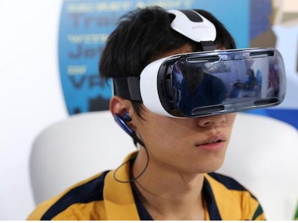 IFA 2014:三星 Gear S、Gear VR 上手:功能很酷,實用性待驗證