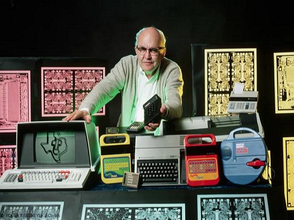 影響現代科技 56 年,積體電路是他發明的