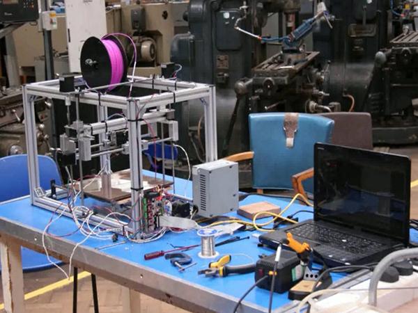 美國學生用 Raspberry Pi 自製開發出 Raspberry Pi 3D 列印機