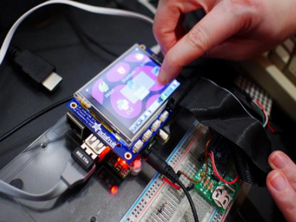 【T客邦Maker Club】用 Raspberry Pi (樹莓派)自已做相機帶回家,DIY 實作坊熱烈報名