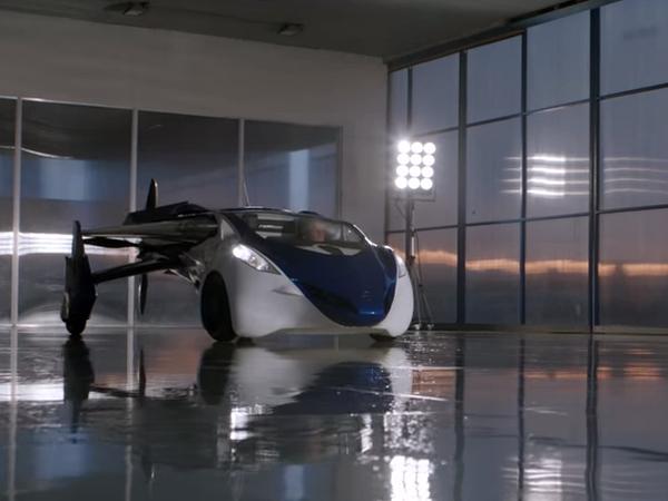 飛行車AeroMobil 3.0亮相,流線造型與可變機翼,一圓飛行夢想