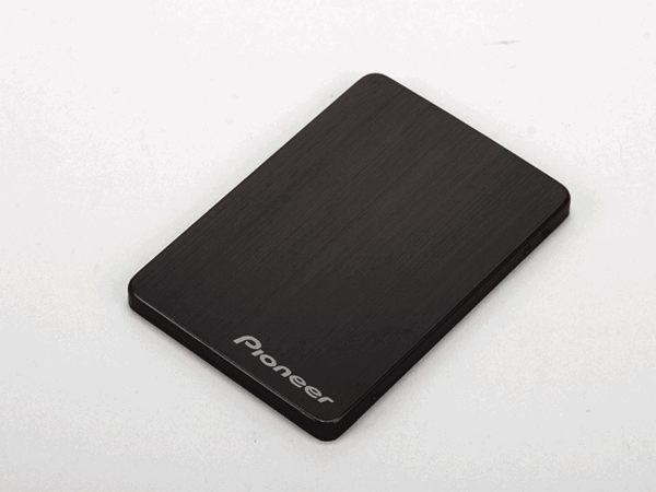 Pioneer APS-SP1:老字號碟機廠,跨足固態硬碟市場第一戰