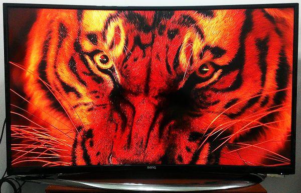 《金獎優評》一見傾心BenQ 55RU6600 黑湛屏曲面大電視開箱體驗