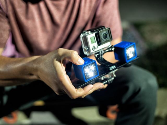 手機補光燈很兩光?行動裝置專用的 Lume Cube 攝影補光燈