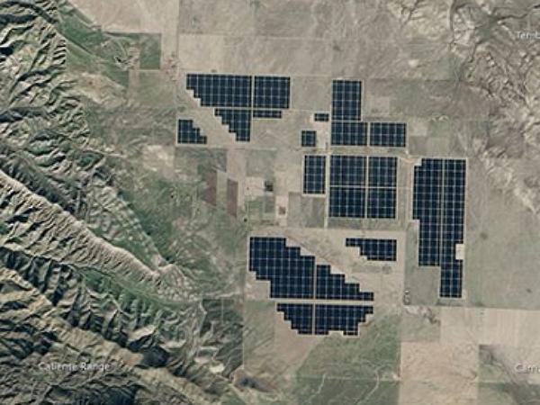 猜猜看:這個從太空拍下來像俄羅斯方塊的景觀,實際上是什麼?