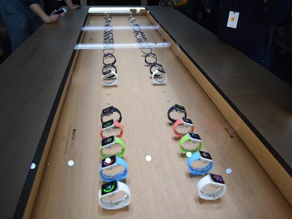 蘋果開了三間Apple Watch專賣店,但若直接走進店裡你還是摸不到手錶