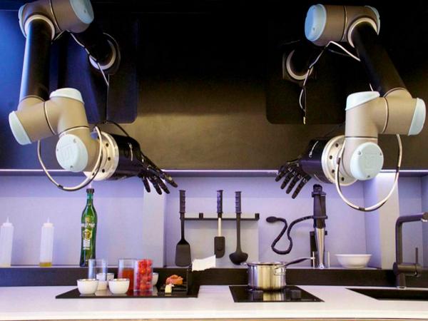 記憶傳承者!能記住米其林大廚手藝的廚房機器人,隨時重現冠軍料理