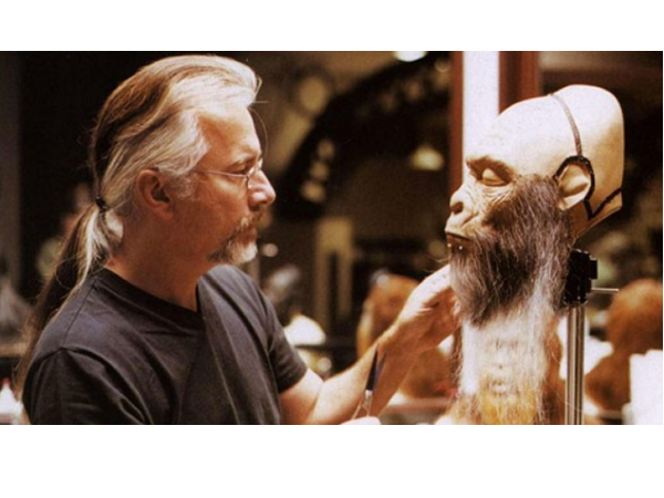 每隻怪物5元起標,一件不留!電影怪物大師Rick Baker將他的怪物們上網拍賣