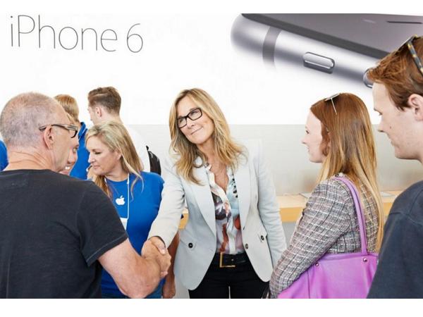 每天淨賺 23 萬美元!蘋果零售主管 Angela Ahrendts 薪資傲視全美