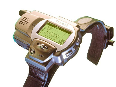 什麼?三星在 1999 年就做了可以打電話的智慧手錶