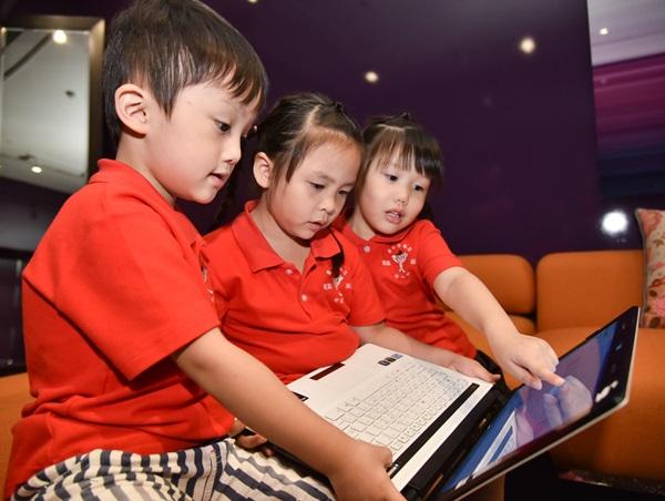 小小低頭族愈來愈多,看Google和兒盟怎麼共同守護兒少網路安全