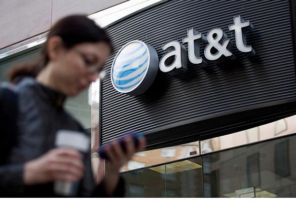「t吃到飽套餐」吃不飽,FCC 向 AT&T 開出 一億美元 天價罰單