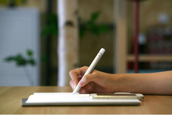 Neo smartpen N2:用這支筆寫在紙上的所有東西,都能直接變數位向量檔案保存