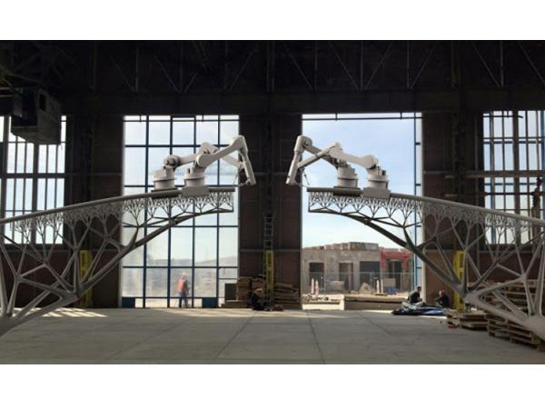 3D列印鋼鐵大橋現身荷蘭,機器人吊臂扮最大功臣