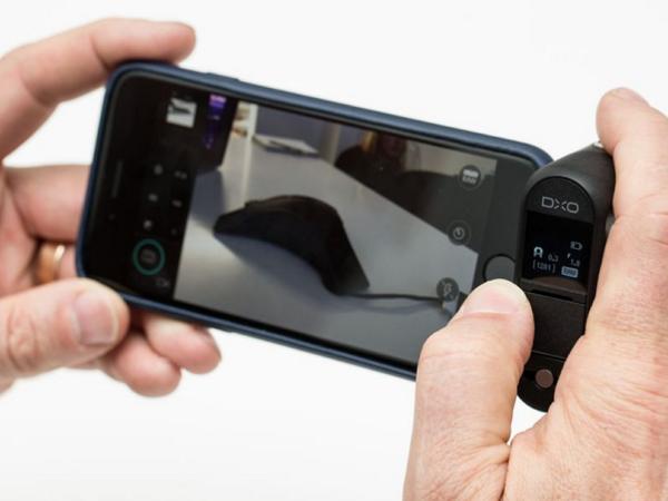 這個 iPhone 外掛相機,是全球最小的一吋感光元件相機