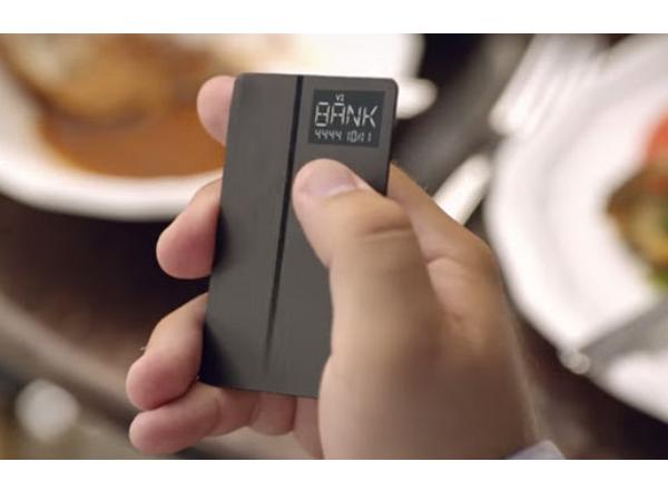 Coin:一張可以切換八張卡的電子信用卡