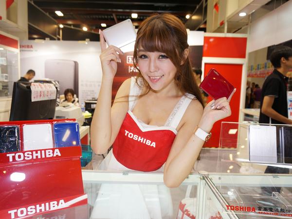 2015台北電腦應用展:Toshiba儲存家族全員到齊,日系1TB隨身硬碟不用兩千