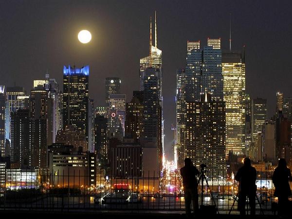 今晚六點抬頭迎「藍月」:藍月其實一點也不藍