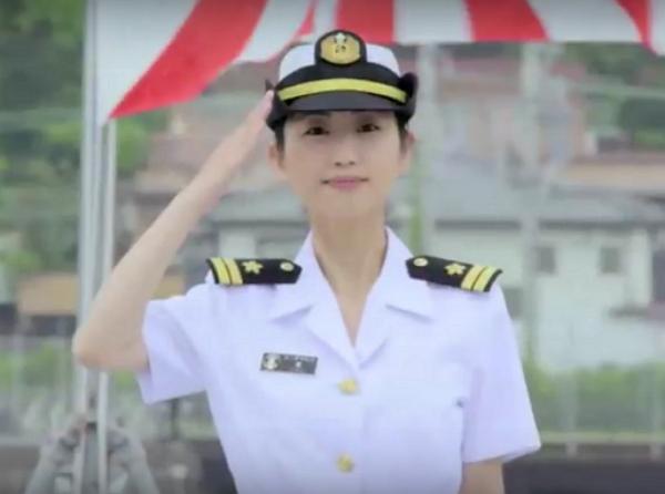 壇蜜從軍去!日本自衛隊找她代言,步兵、海上、航空版影片釋出