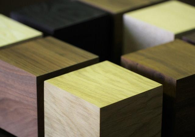 覺得桌上型電腦太大太醜?來台木質的Wood Kubb