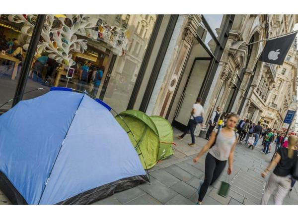 最敬業的「iPhone 黃牛」:在澳洲,已經有人在 Apple Store 外搭起了帳篷