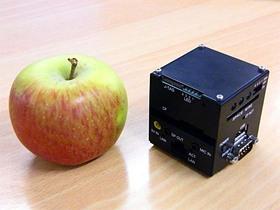 蘋果大小的Linux PC~Space Cube