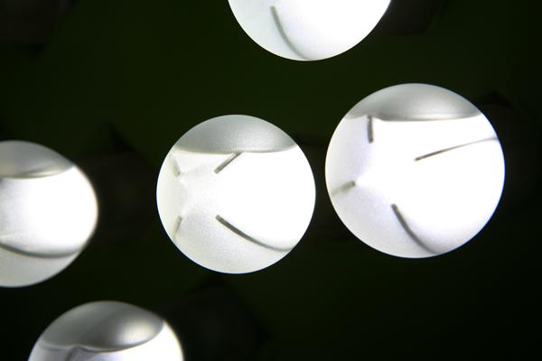 看我發光卻不發熱-液體填充LED燈泡(一)